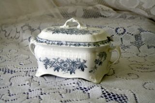 """Gorgeous Antique F.  Winkle & Co.  England Gravy Boat In """"lara"""" Blue And White Pat"""