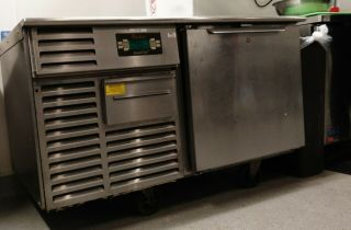 Traulsen Undercounter Quick Chiller Model Tu048qc.  6 Years Old,  Rarely.