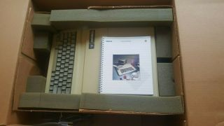 Rare Vintage Apple Iie With Matching Box - Great