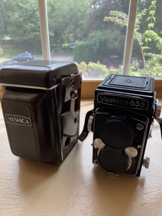 [near Mint] Vintage Yashica 635 Film Camera W/ Leather Case - Rare (120mm/35mm)